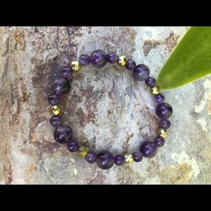NWT. Handmade Genuine amethyst bracelet